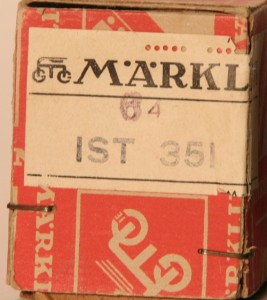 1946 (4th q) of 351 - notice red pattern on box