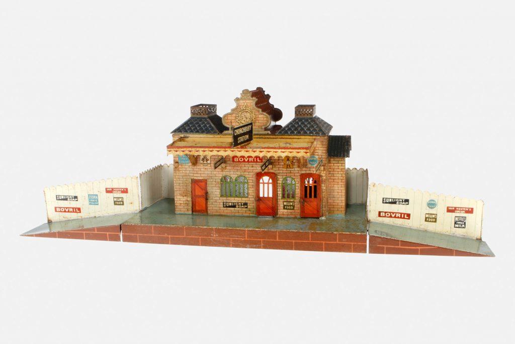 marklin-english-churchbury-station