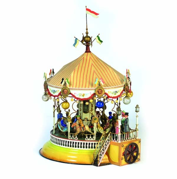 A Marklin carousel sold for 130,000 EUR in Germany by antico mondo.